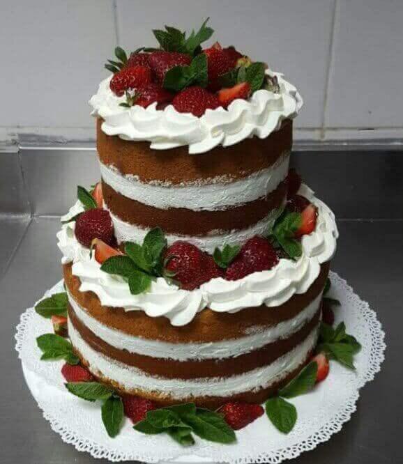 Торт открытый с ягодами