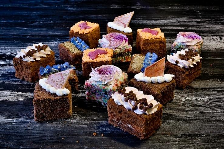 Набор мини пирожных